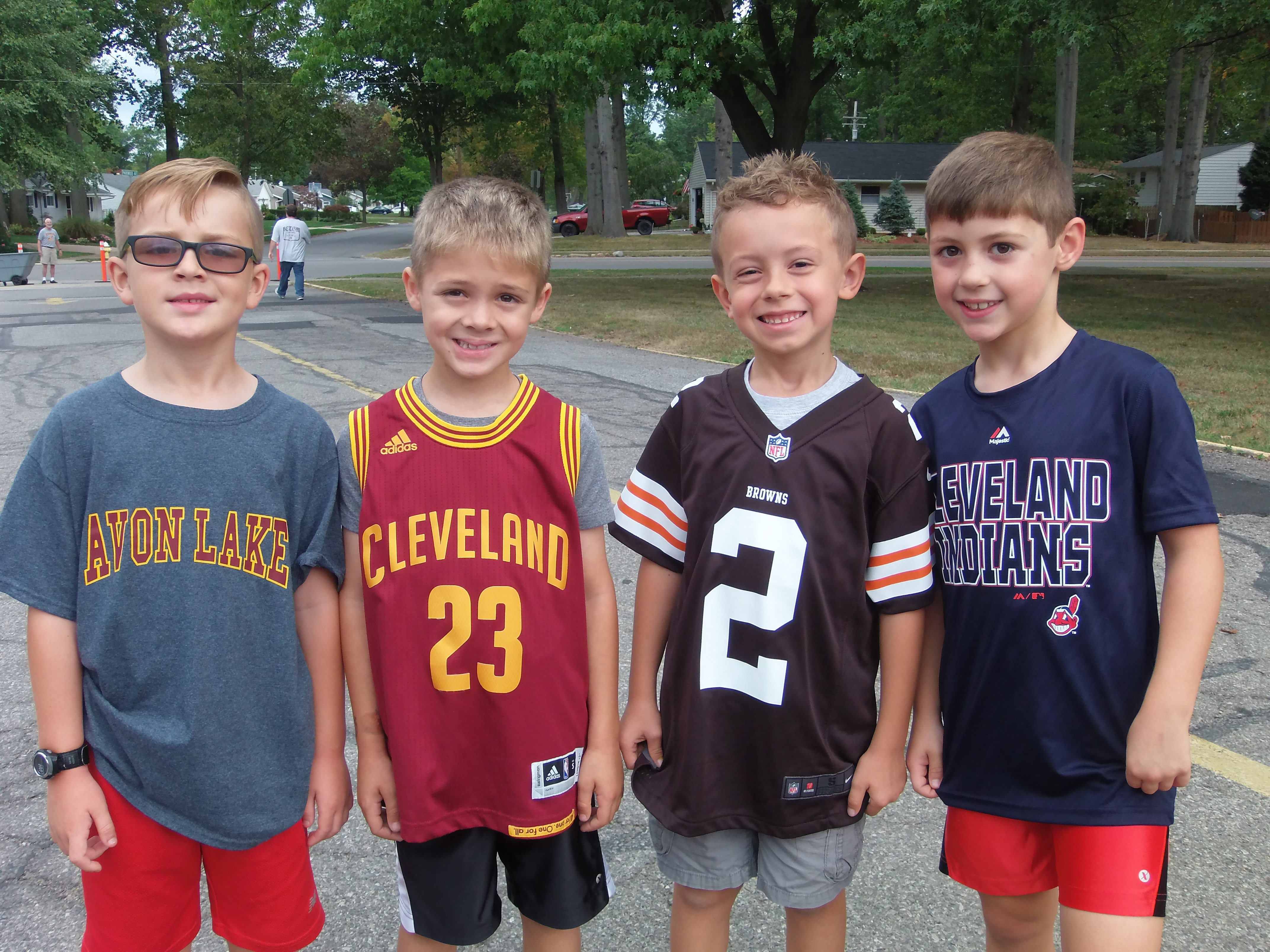 Four Students enjoying CLE Pride at Redwood!